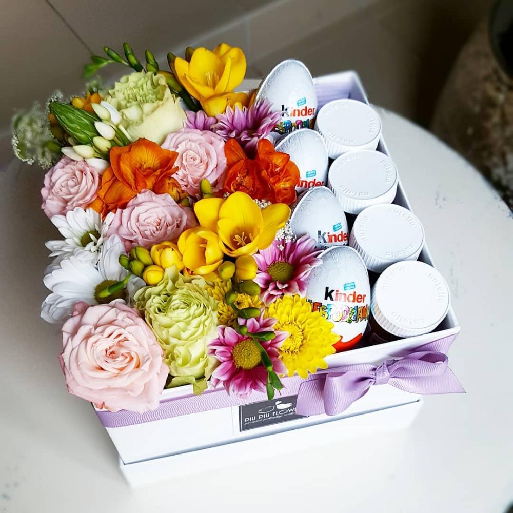 Flowers Box By Piu Piu Flowers Instagram Posts Instagram Flowers