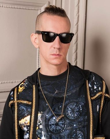 jeremy scott nomm directeur artistique de moschino cr ateurs pinterest mode jeremy scott. Black Bedroom Furniture Sets. Home Design Ideas