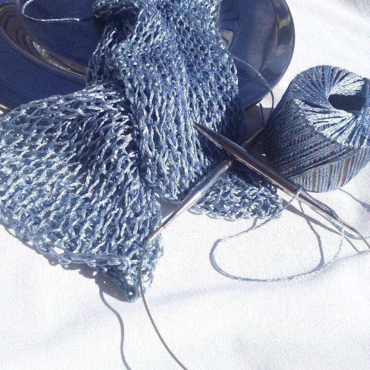 Knitting in shinnig metallic...
