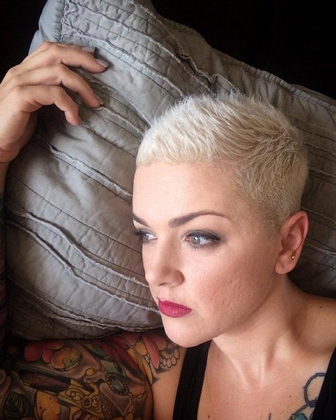Blond Rasiert