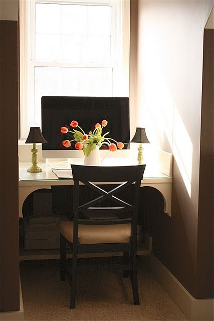 Turn That Unused Room Of The House Into This: Turn Unused Window Seat Into Desk Area