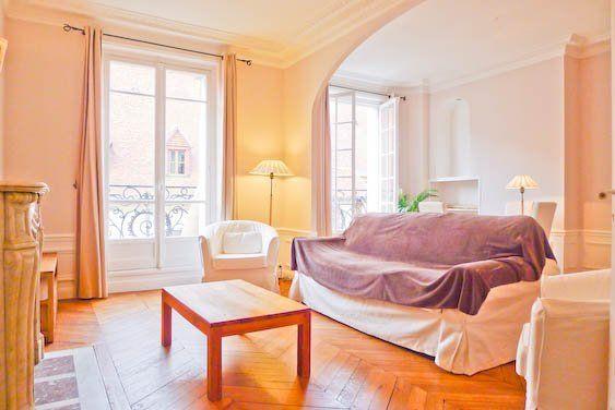 Byp 891 Furnished 2 Bedroom Apartment For Rent 70 M Rue De Poissy Paris 5 2750 M Appartement Meuble Decoration Maison Paris