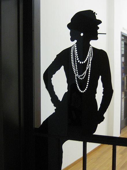 2c375d698e36 Coco Chanel - Wikipedia | chirp chirp | Chanel fashion, Coco chanel ...