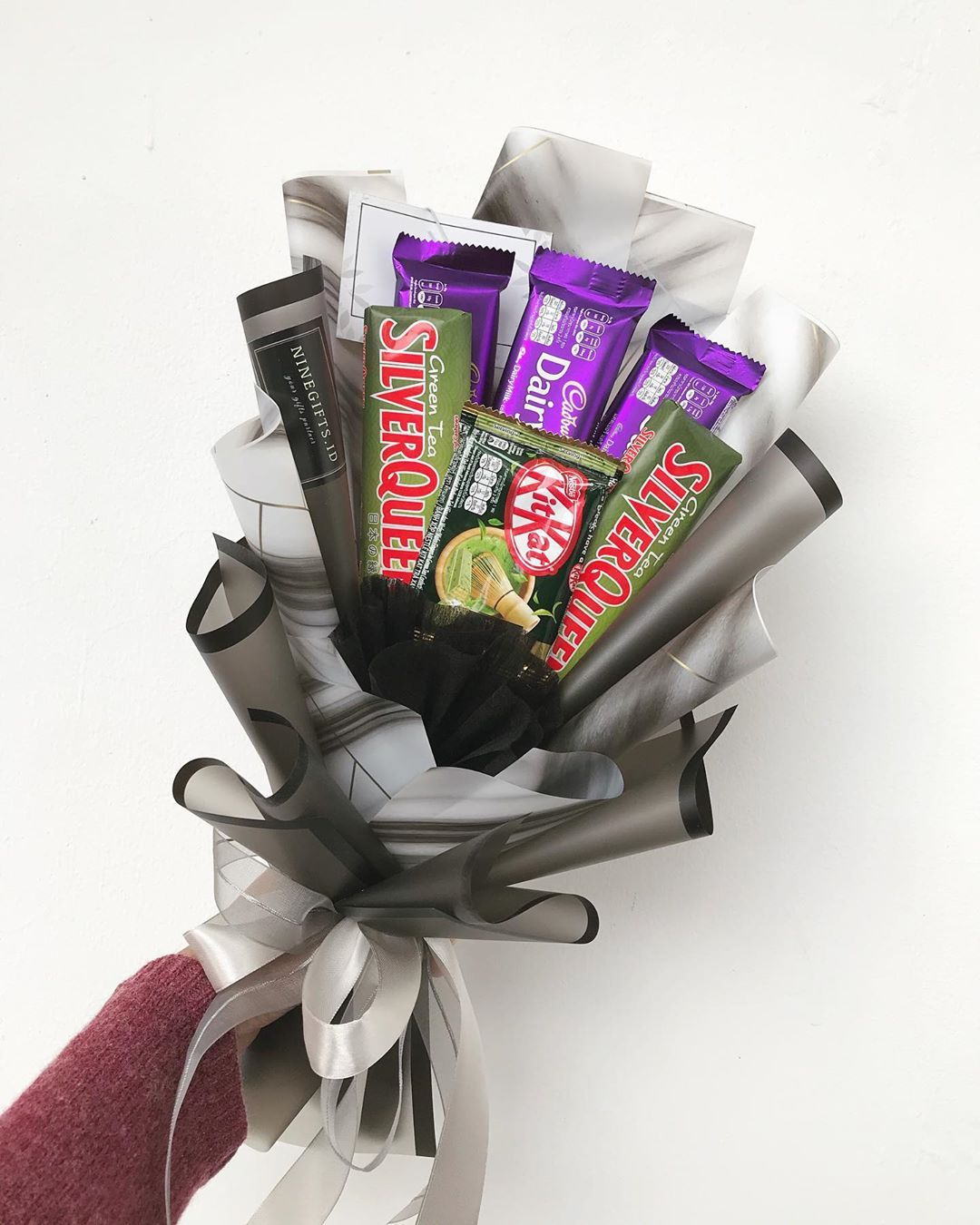 Snack Bouquet Bandung Murah On Instagram Ready To Send Only 130k Chocolate Bouquet Isi 3pcs Coklat Bunga Kertas Tisu Valentine Bunga Buatan Sendiri