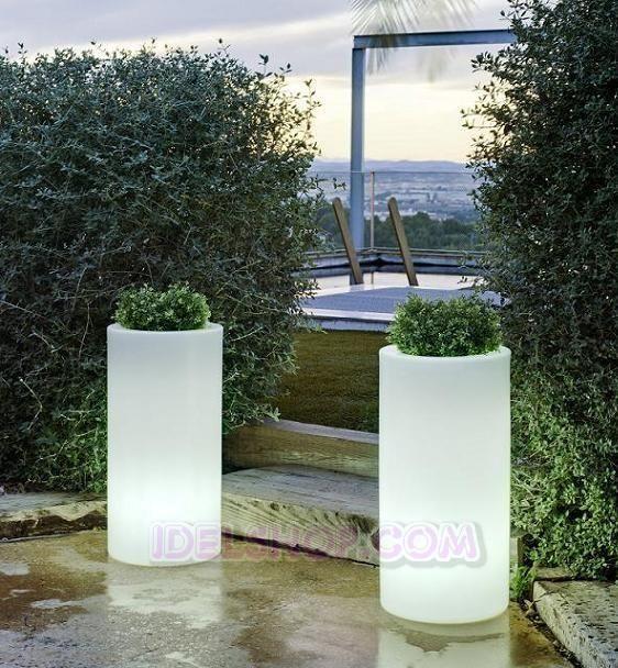 illuminazione esterno giardino vasi luminosi | Arredo Giardino ...