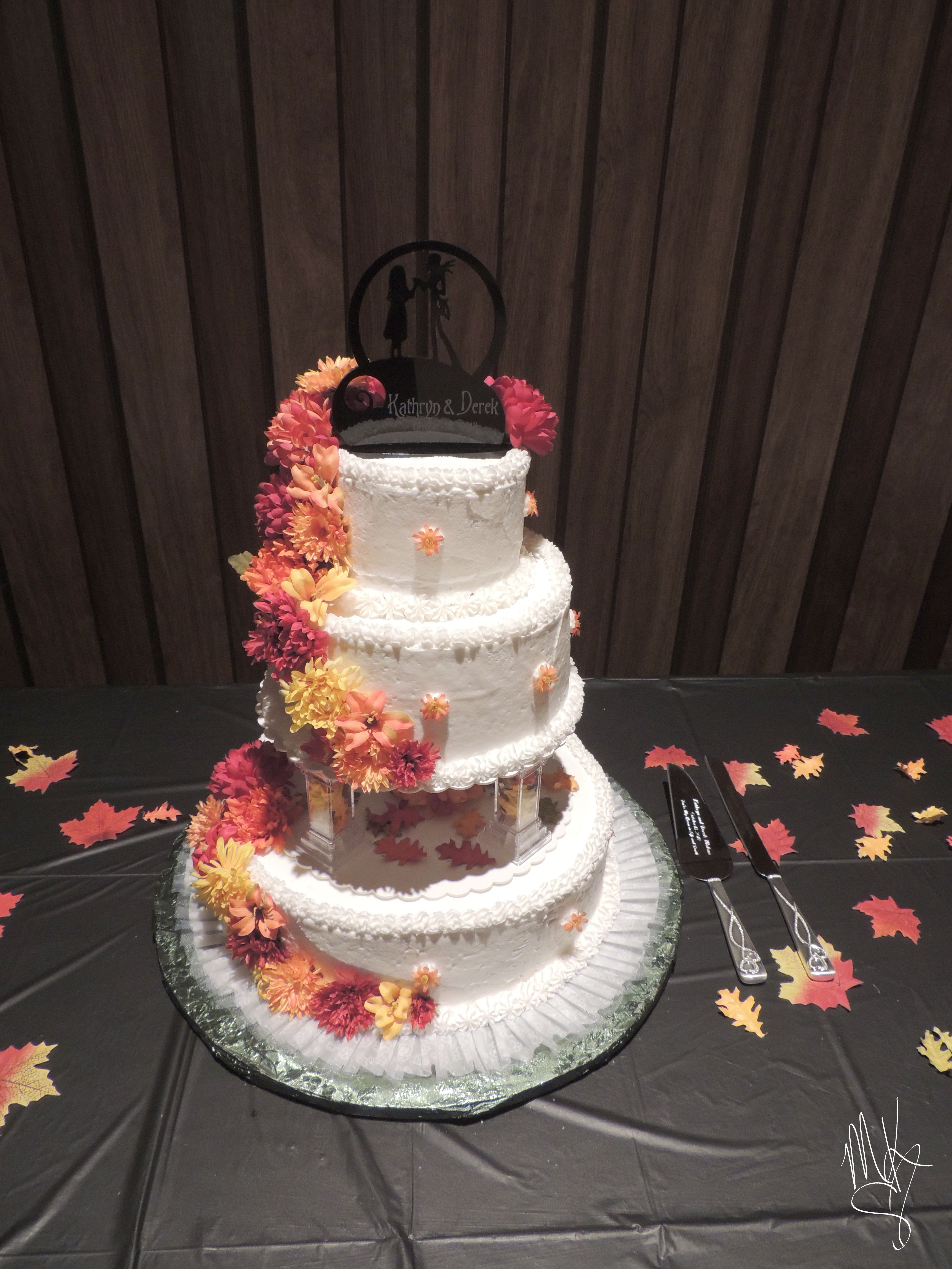 Fall wedding cake, Nightmare Before Christmas cake topper #wedding ...