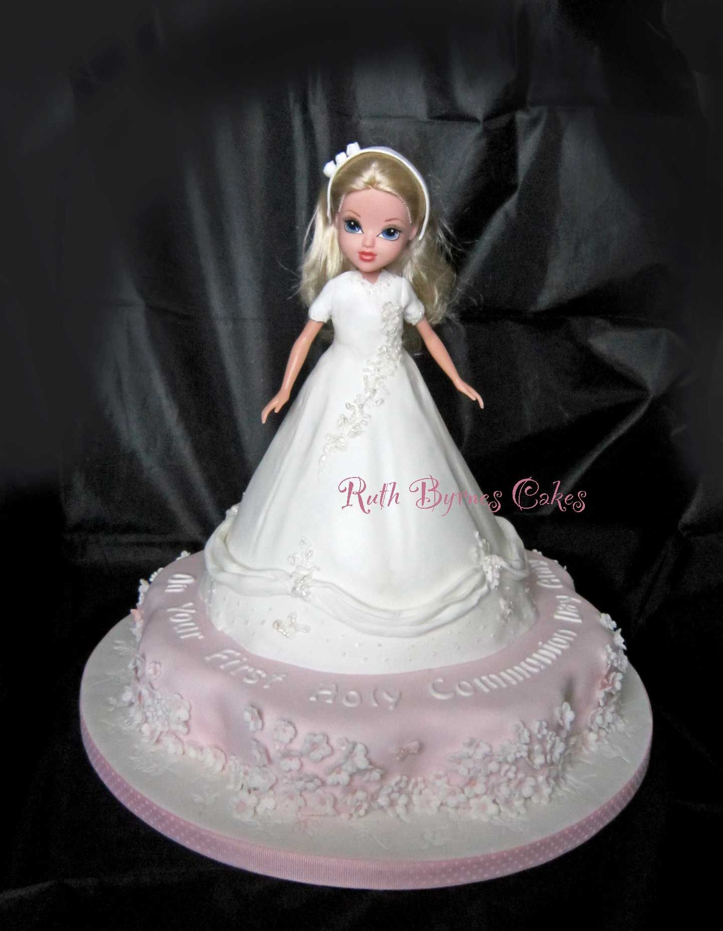 First Holy Communion Cake With Moxie Doll Doll Cakes Pinterest