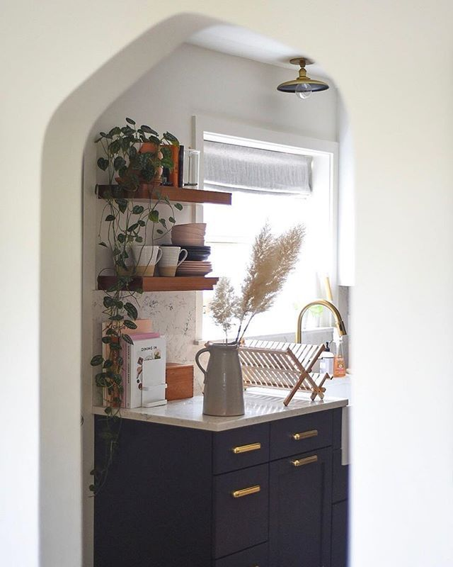 Period Kitchens Designs Renovation: Lovely + Lived In #schoolhouseliving Via @turntablekitchen