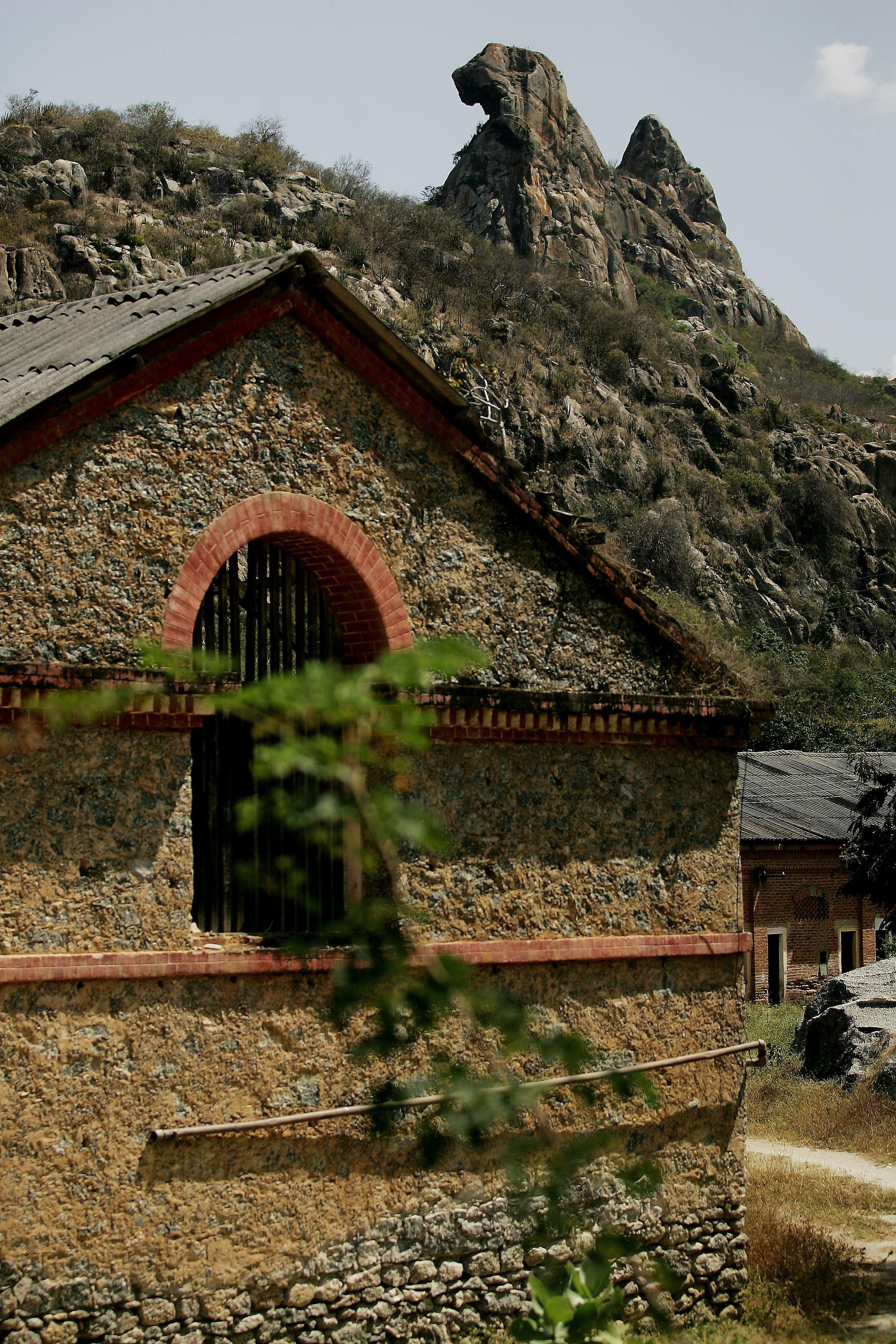 Pedra Da Galinha Choca Rock Of The Brooding Hen Quixada Ceara