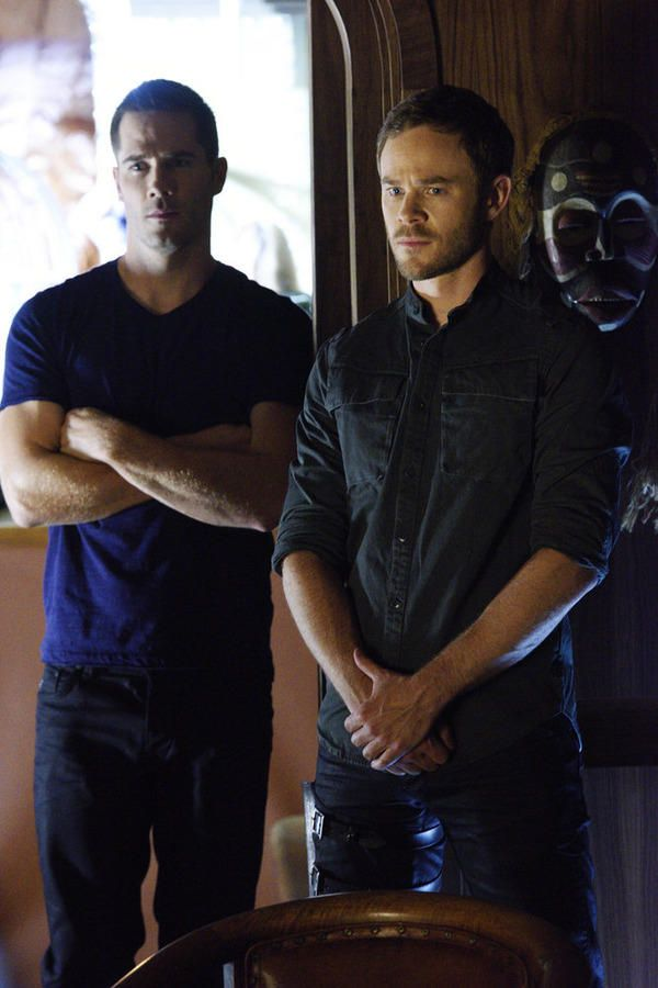 Brothers John and D'avin Jaqobis - Killjoys Season 1 Episode 1