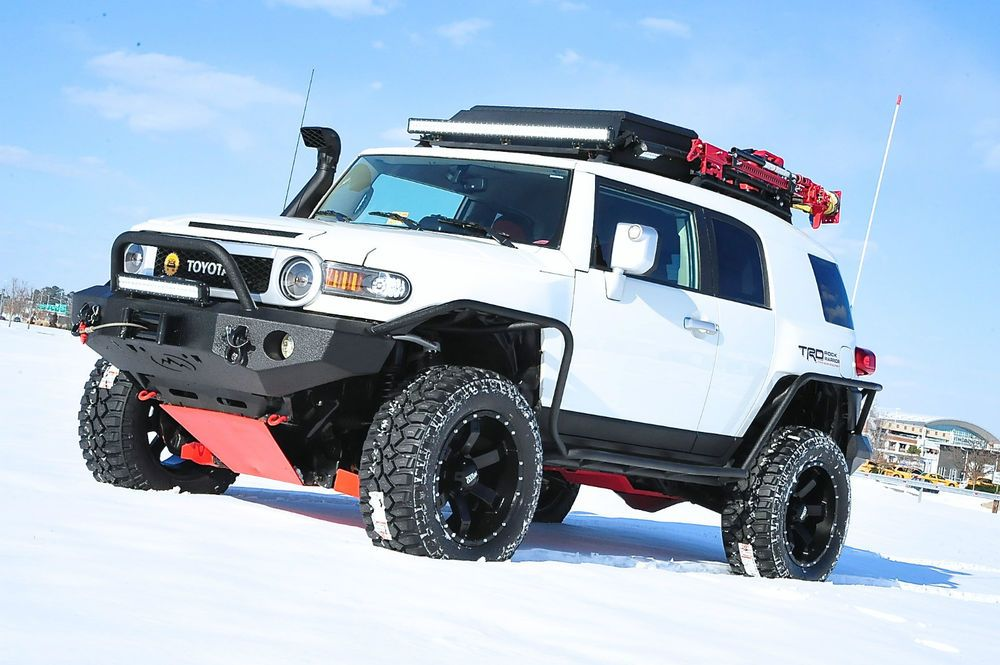 2012 FJ CRUISER / FULLY BUILT / LIFTED / FABTECH / LEDS