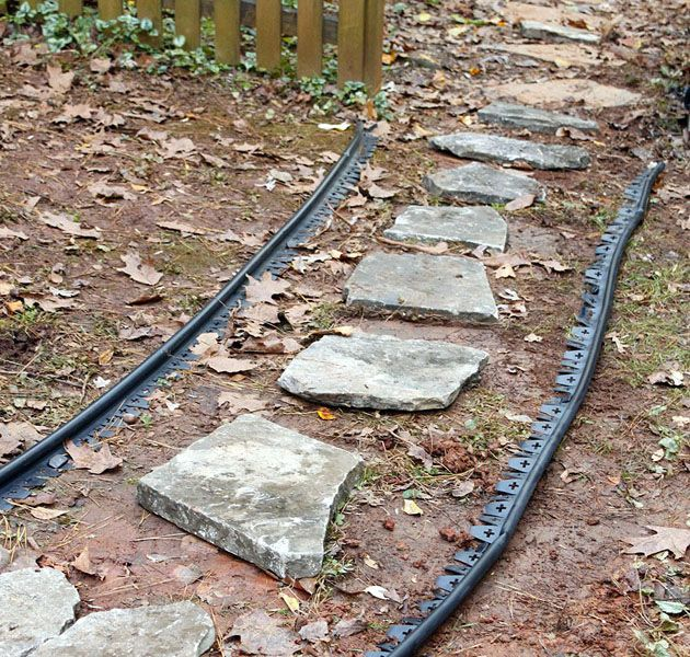 How To Create An Inexpensive Mulch And Stone Walkway