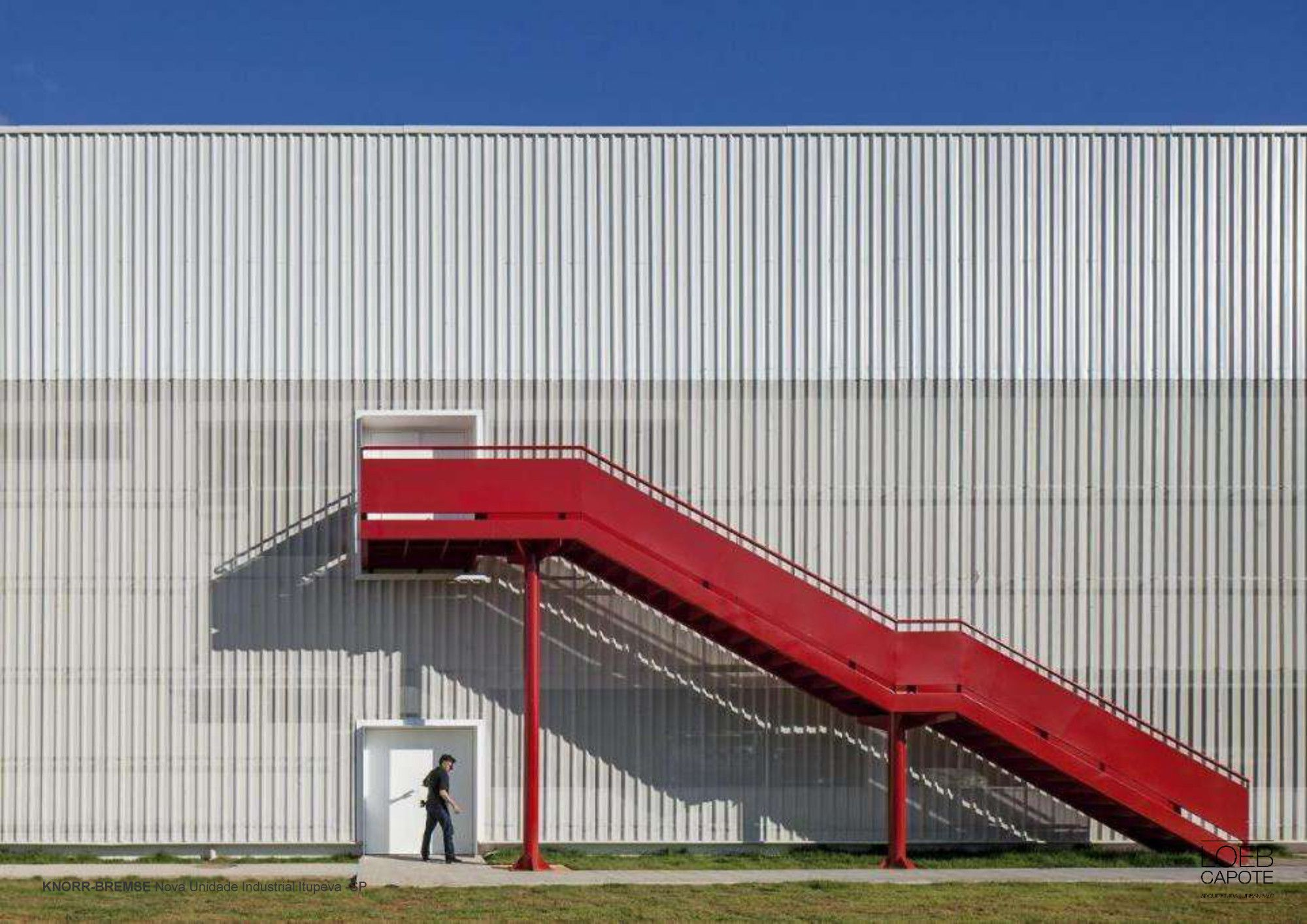 Knorr-Bremse,Cortesia de LoebCapote Arquitetura e Urbanismo