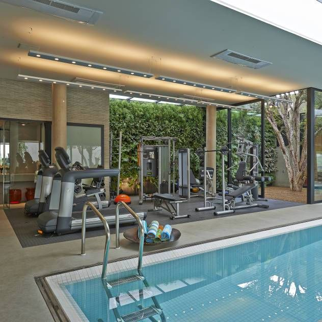 Consejos Para Disenar Un Gimnasio En Casa Luxury Homes Dream Houses Pool House Plans Pool Houses