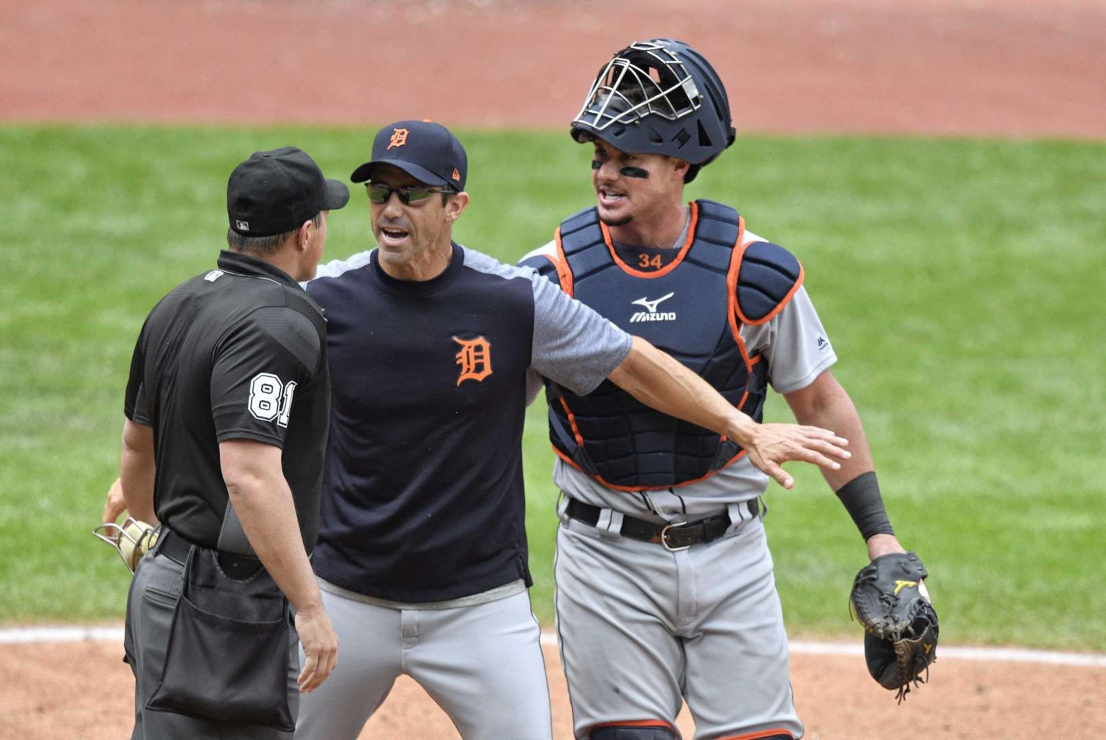 Mlb Player Manager Ejections In 2017 Sept 13 Tigers Manager Brad Ausmus Stands Between Home Plate Umpire Quinn Wolcott And Catcher J Mlb Players Mlb Players