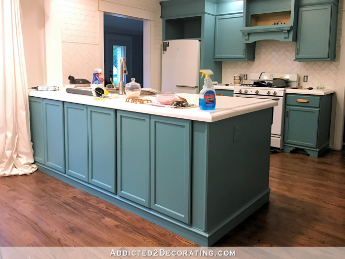 my freshly painted teal kitchen cabinets addicted 2 decorating k che kitchen. Black Bedroom Furniture Sets. Home Design Ideas