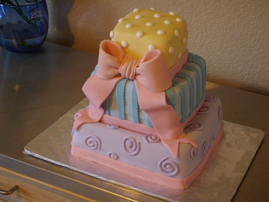 Strawberry Cake With Fondant Bow Baby Shower Cakes In