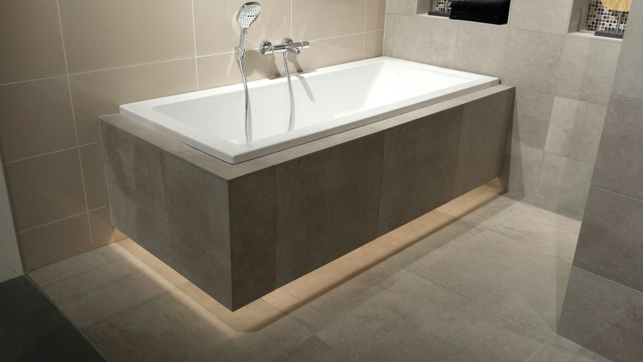 Vast bad met verlichting onderrand - Badkamer | Pinterest - Bad ...