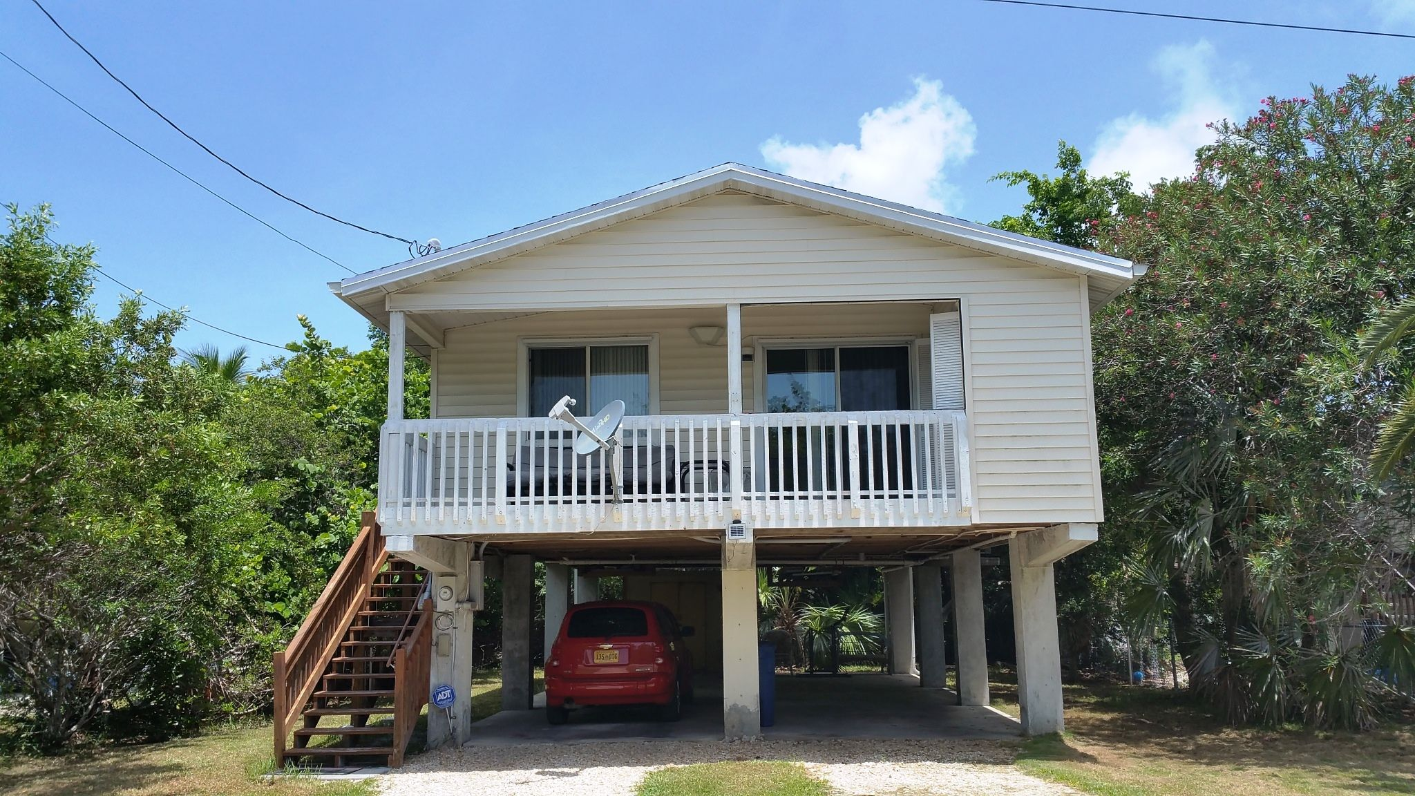 SOLD!!: 31147 Ave H in Big Pine Key, Florida. 3bd/2ba for $279,000.