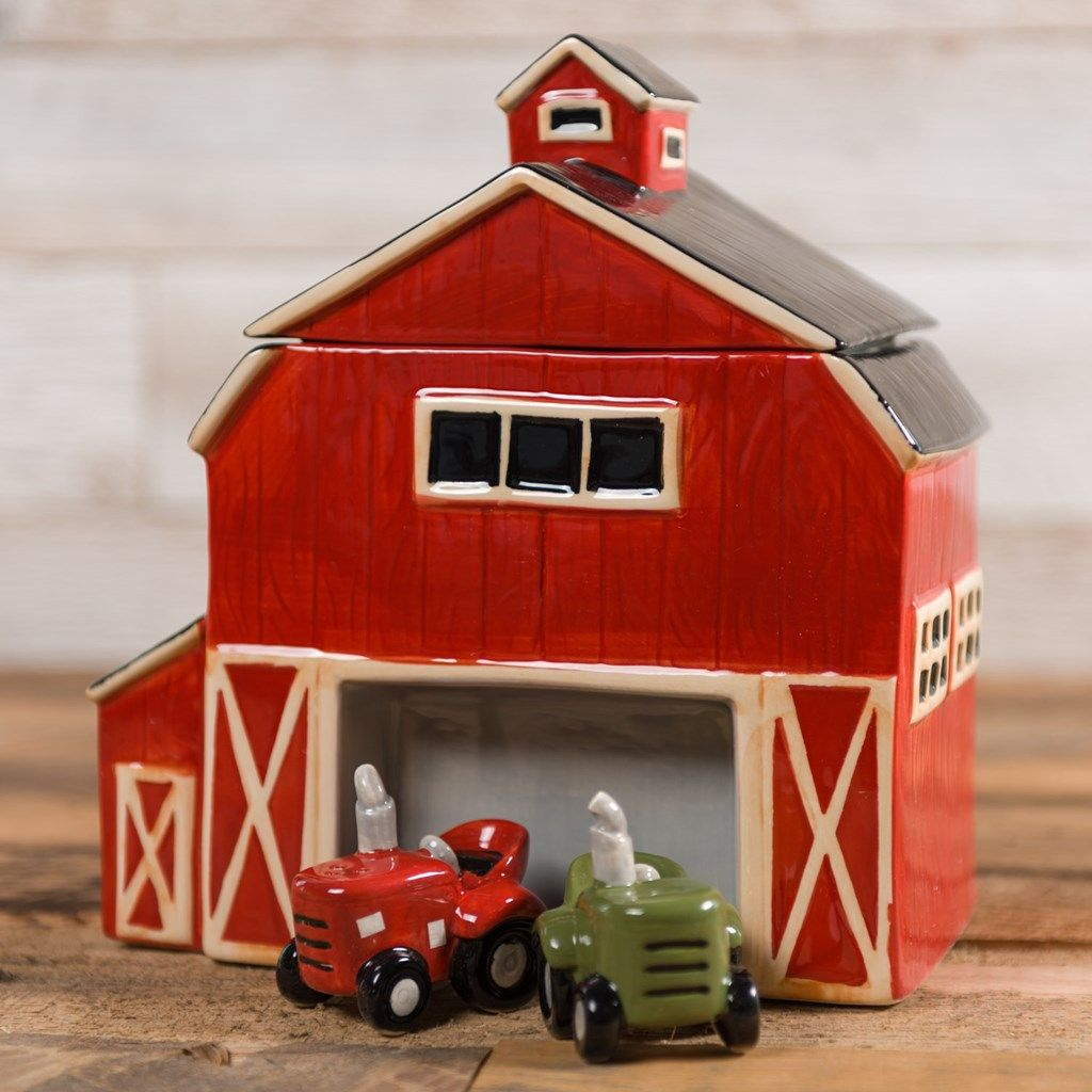 Barn cookie jar and tractor salt and pepper set in 2020