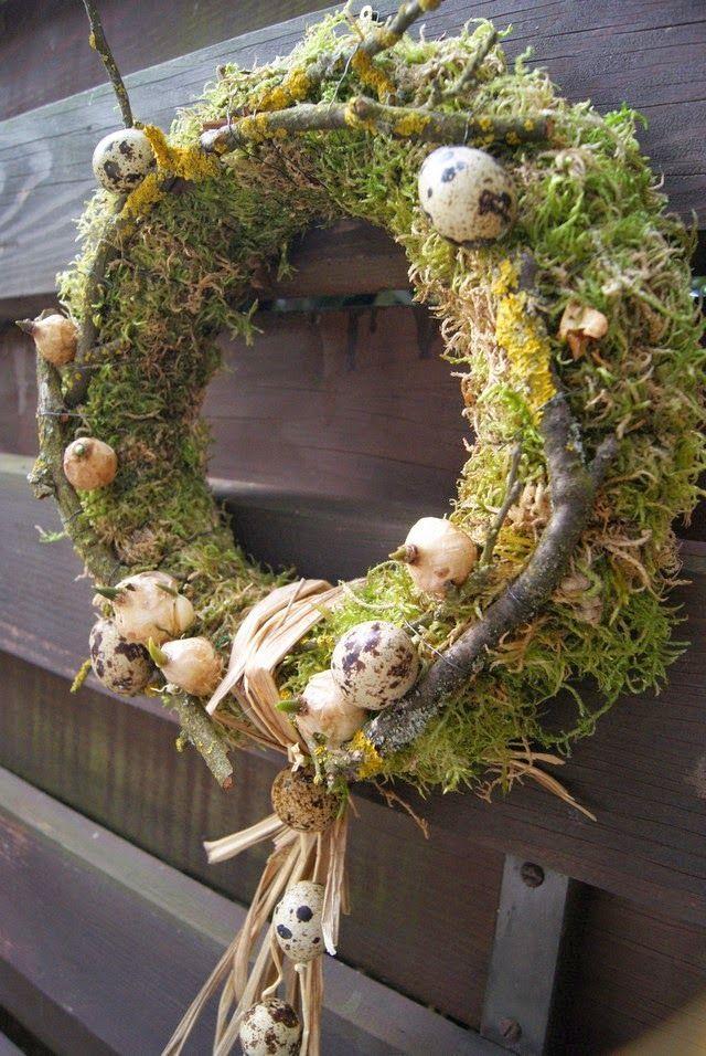osterkranz mit naturmaterialien kr nze wreath ostern kranz und naturmaterialien. Black Bedroom Furniture Sets. Home Design Ideas