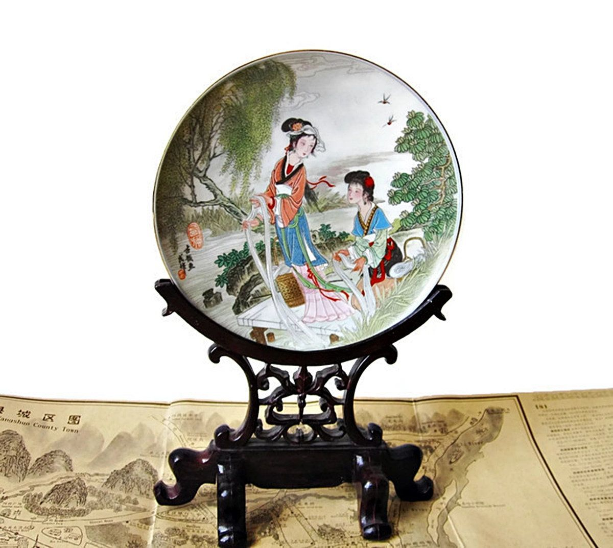 Japanese Ceramic Display Plate And Stand Geisha Girls In Garden Carved Wood Grain Plate Stand By Latrouvaill Japanese Ceramics Plate Display Asian Antiques