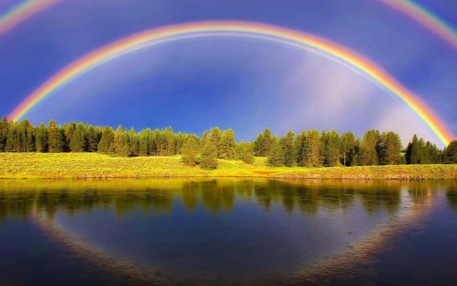 regenbogen-hintergrundbilder-von-einem-landschaft-mit-schonen-regenbogen-ein-see-und-baume.jpg (1600×1000)