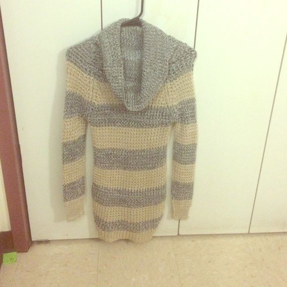 Sweater never worn. A grey and tan sweater from Rue 21. Never Worn. Sweaters Cowl & Turtlenecks
