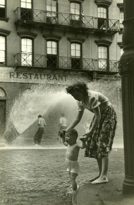 Mother and Baby - Ruth Orkin