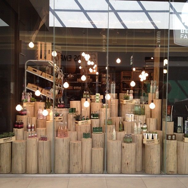 Ordinaire Wonderful Shop Or Store Display Idea    Using White Washed Or Peeled Pale  Wood Stumps For Display   GREAT For A Shop Store Bar, Café, Or Restaurant  Window!