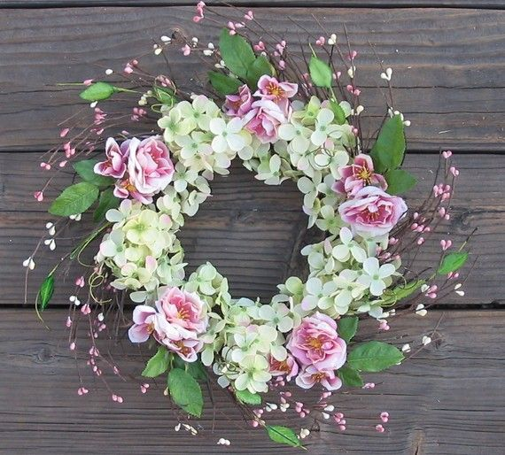 very enchanting selection and placement of flowers and berries ~