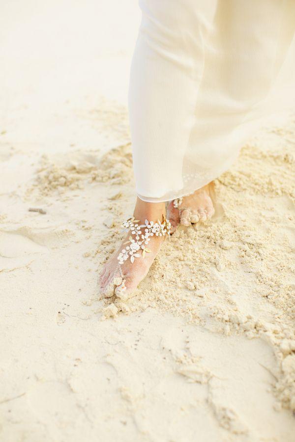 Vintage Beach Chic  |  aleah lovely