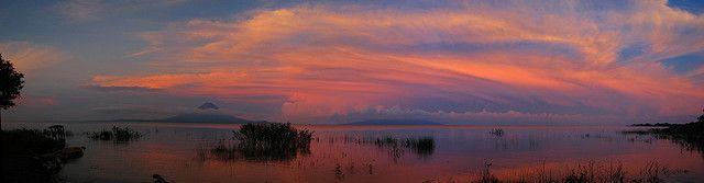 Lago de Nicaragua | Isla Ometepe  Rivas, Nicaragua (Cocibolca by larepuvlica_eurasia, via Flickr)