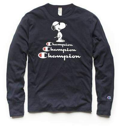 1d906c71382 Todd Snyder + Champion Champion X Peanuts Snoopy Long Sleeve Tee in Navy