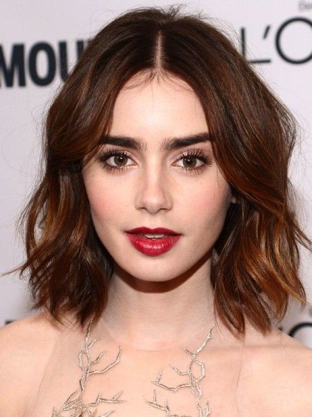 Be Different With Middle Part Hairstyle Short Hair Styles Hair Styles Lily Collins Hair