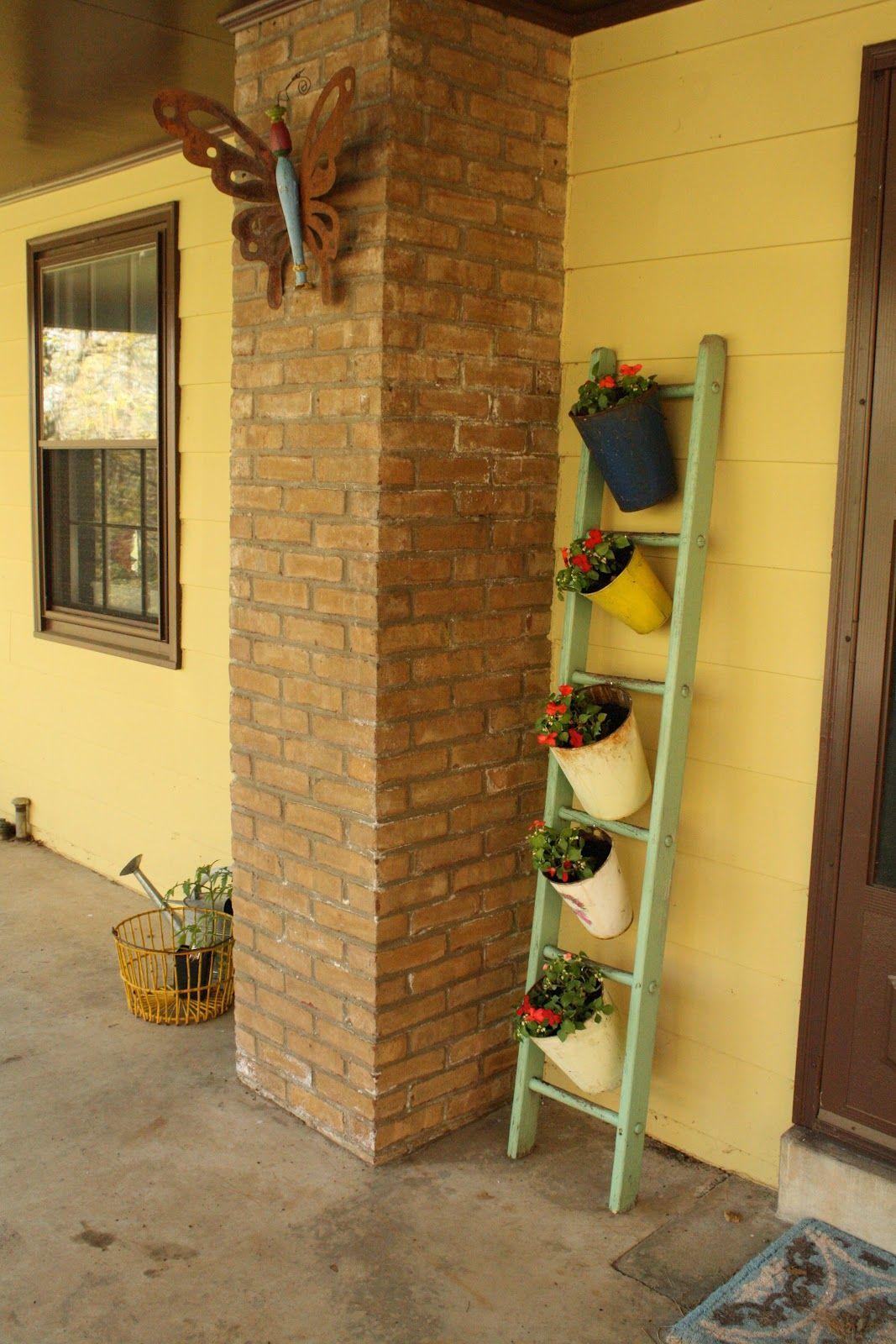 Primitive u proper freshening up the porch u passing it on decor
