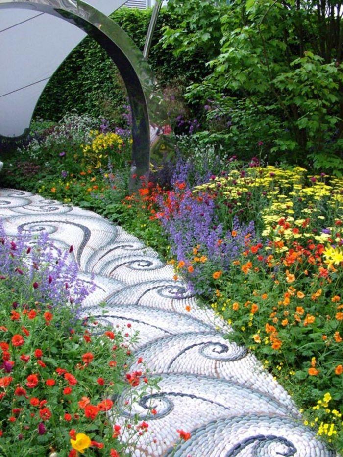 gartenwege gestalten steine blumen farbe gartengestaltung ideen ... - Gartengestaltung Mit Steinen Und Blumen