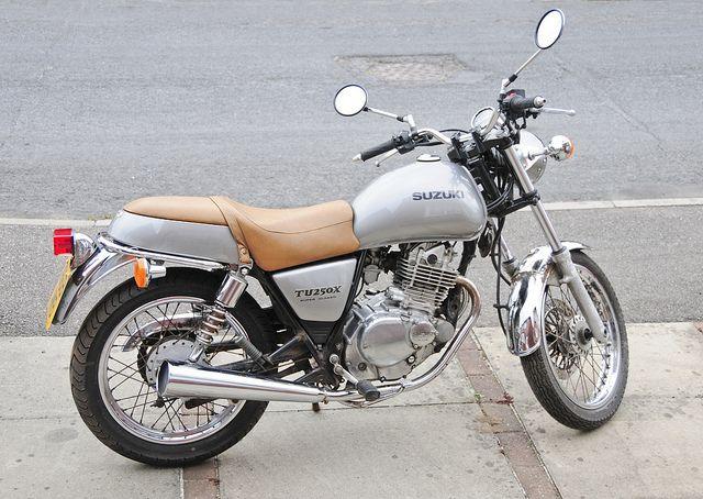 Suzuki Tu250x Motorcycle Motorbike 2000 Model In Silver Right Side Car And Motorcycle Design Suzuki Bikes Suzuki