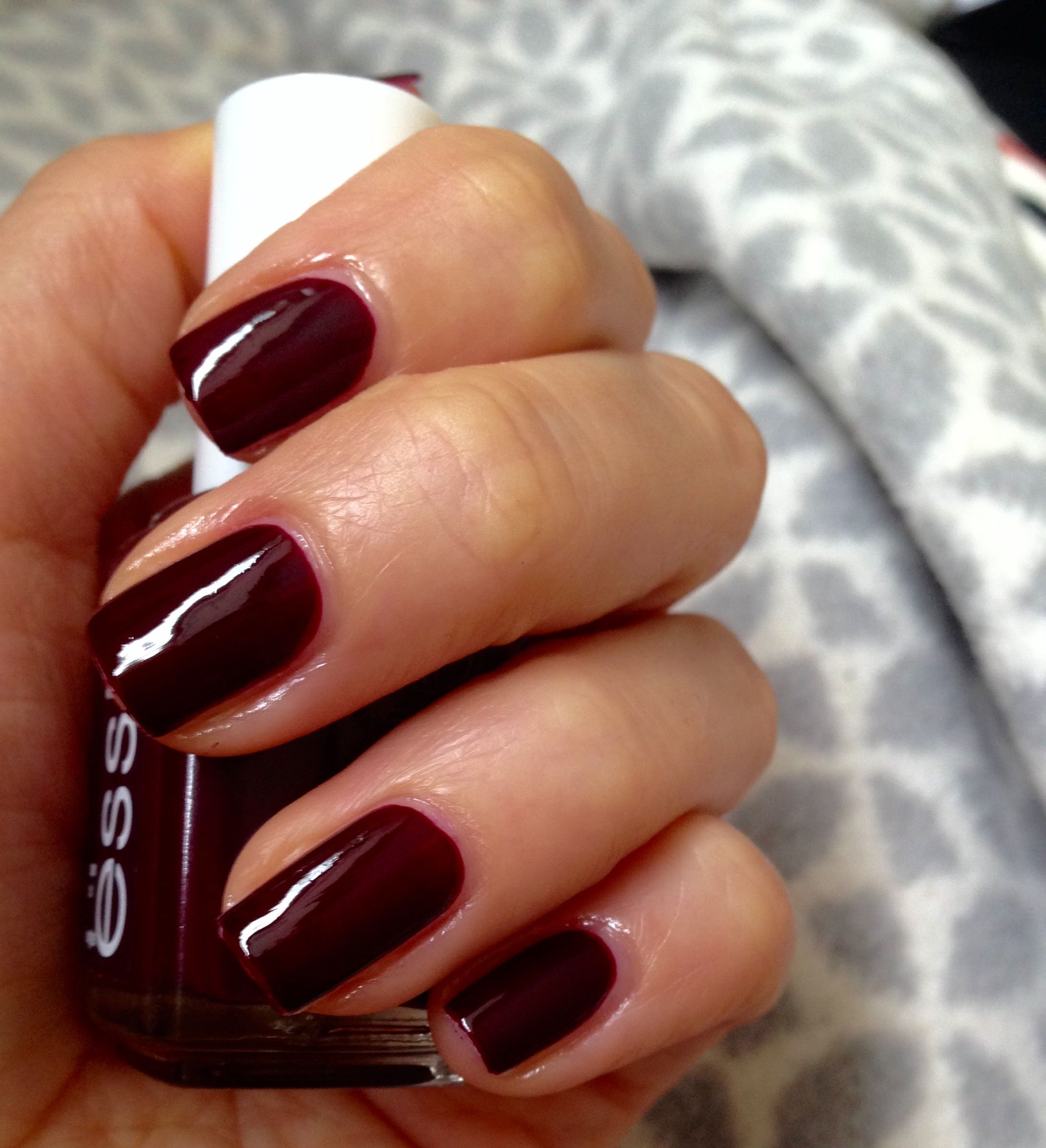 ESSIE Sole Mate # dark red nails #autumn nails | Nail art ...