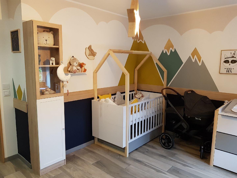 Idee De Deco Pour La Chambre De Bebe Une Jolie Peinture Pour Avoir La Tete Dans Les Montagnes Chambre Bebe Idee Deco Chambre Enfant Amenagement Chambre Bebe