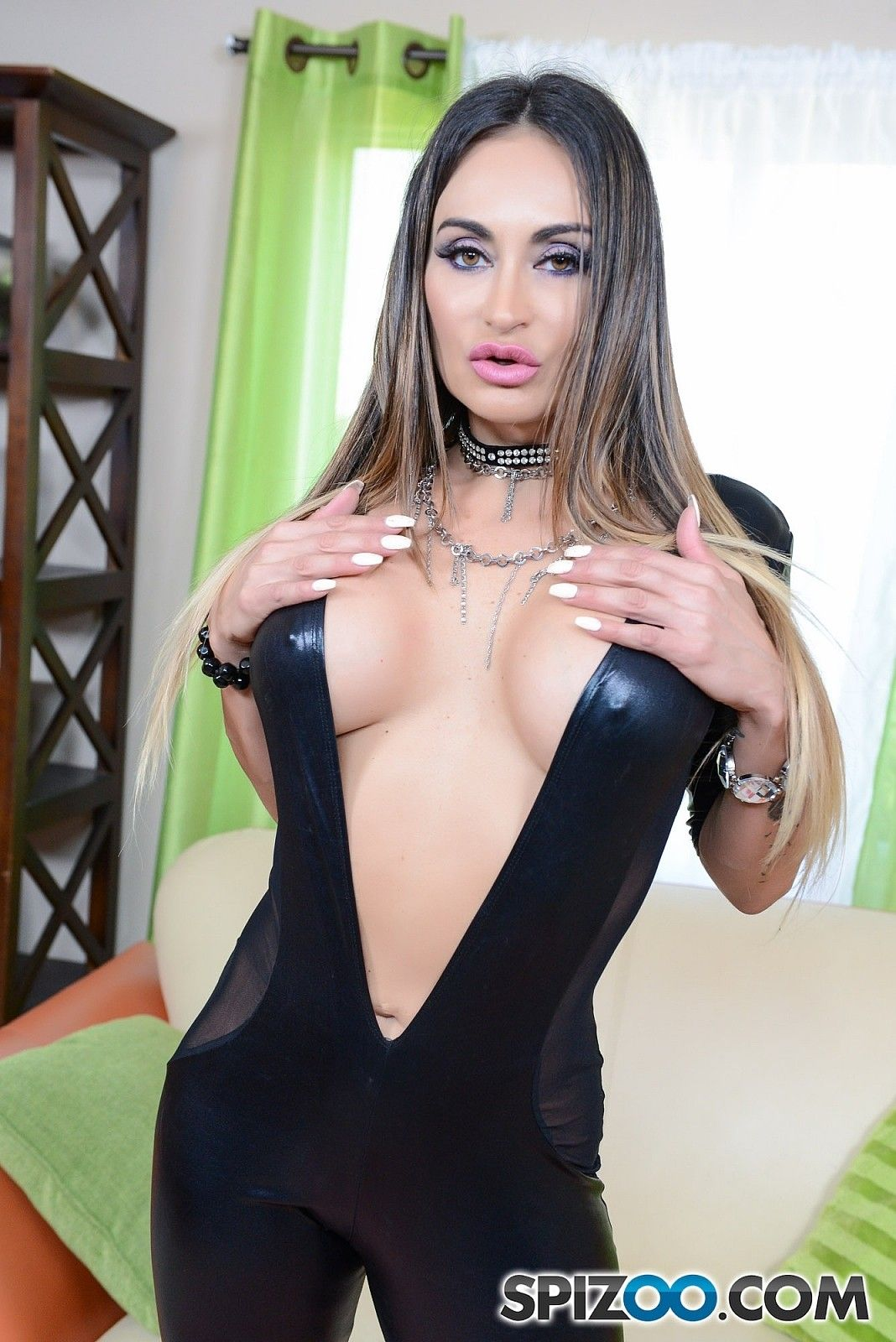 anal-pictures-of-hot-brunettes-in-spandex-tongue-black