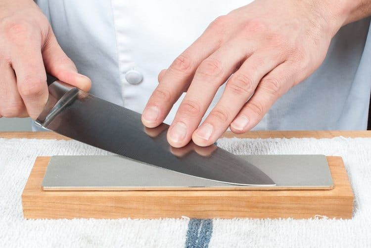 How To Use A Diamond Sharpening Stone Sharpen Up In 2020 Best Sharpening Stone Sharpening Stone Stone