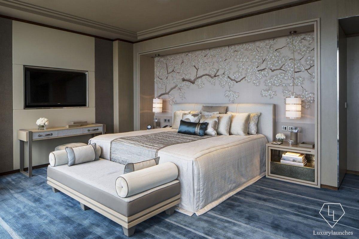 Shangri La Hotel, Bedroom, The