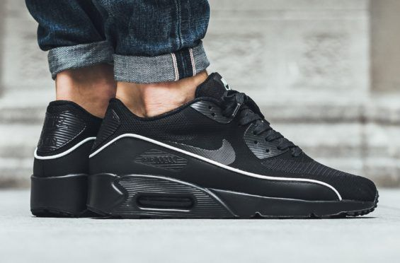 Look For The Nike Air Max 90 Ultra 2.0 Essential Black Mint