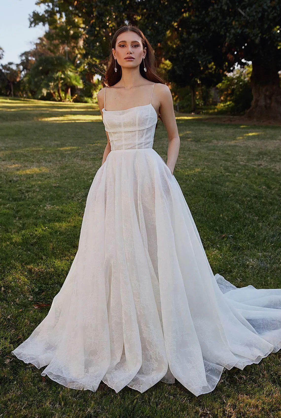 These Wedding Ideas Were Trending On Pinterset In 2020 Wedding Dresses Wedding Dresses Unique Wedding Dresses Simple [ 1695 x 1140 Pixel ]