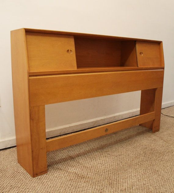 Mid Century Modern Heywood Wakefield Champagne Full Size Bookcase Headboard What A Find Offered Is A Mid Century Modern Bookcase Modern Bookcase Bookcase Bed