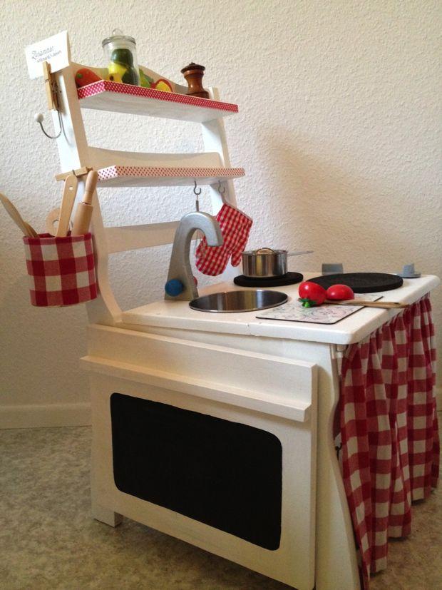Eine Kinderküche aus einem alten Stuhl... | Söhne, Weihnachten und ...