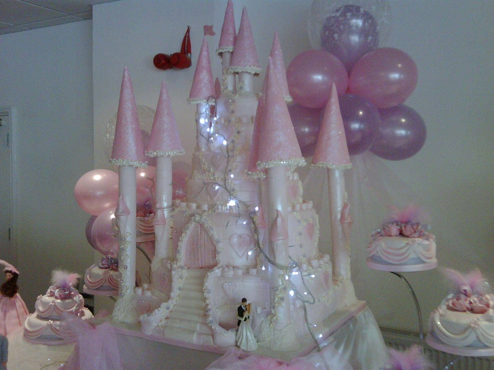 My big fat gypsy wedding dress with lights  My Big Fat Gypsy Wedding  Barbie party  Pinterest  Big fat gypsy