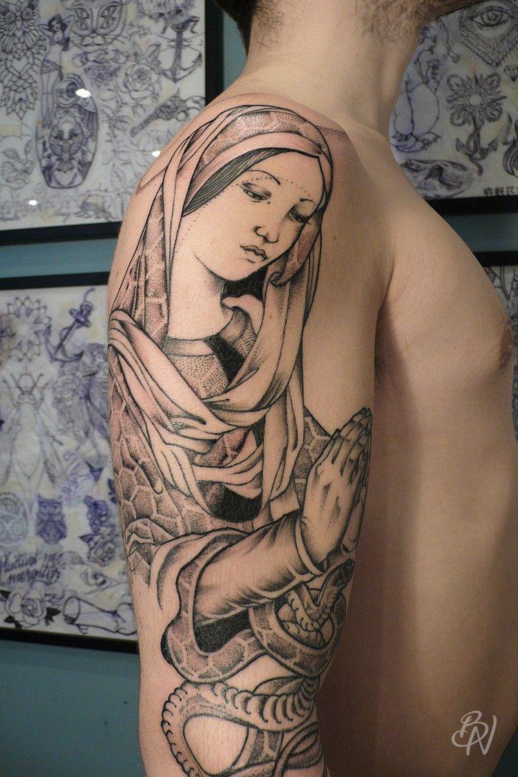 Bleu Noir Tattoo Art Shop Paris Veemon Vierge Serpent Dot Mains