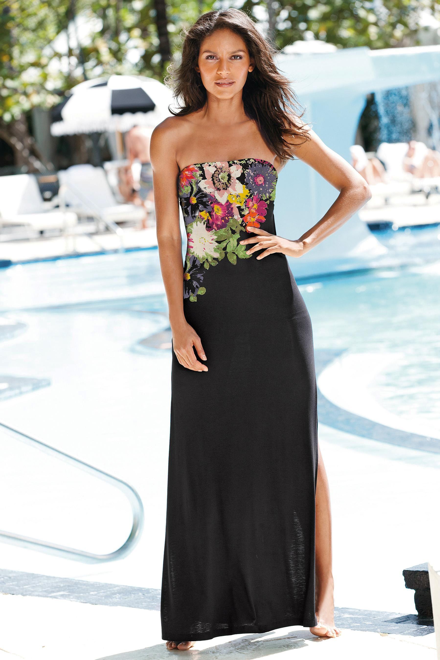 Black Shape Enhancing Trail Flower Maxi Dress